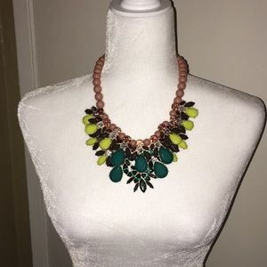 Gorgeous collar necklace